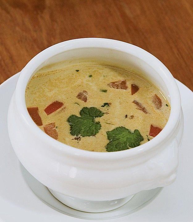 suppe von rotem curry mit kokosmilch und schwarzen linsen snacks vegans and food. Black Bedroom Furniture Sets. Home Design Ideas