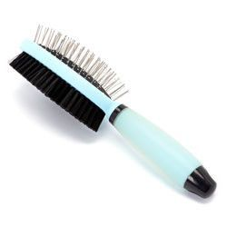 Iconic Pet Double Sided Brush with Silica Gel Soft Handle (Bristle & Hard Pin) - Blue - Length of Head : 110mm. Width of Head:61mm. Total length of brush:227mm.Iconic Pet Double sided (Silica Gel Soft Handle) brush comes with bristles and pins.Silica gel handle allows soft and comfortable grip and is made of ABS and Silicone.The bristle side is for daily use to create a glossy and healthy looking coat.The pin side separates and untangles fur.Warning: * This product is intended for pets…