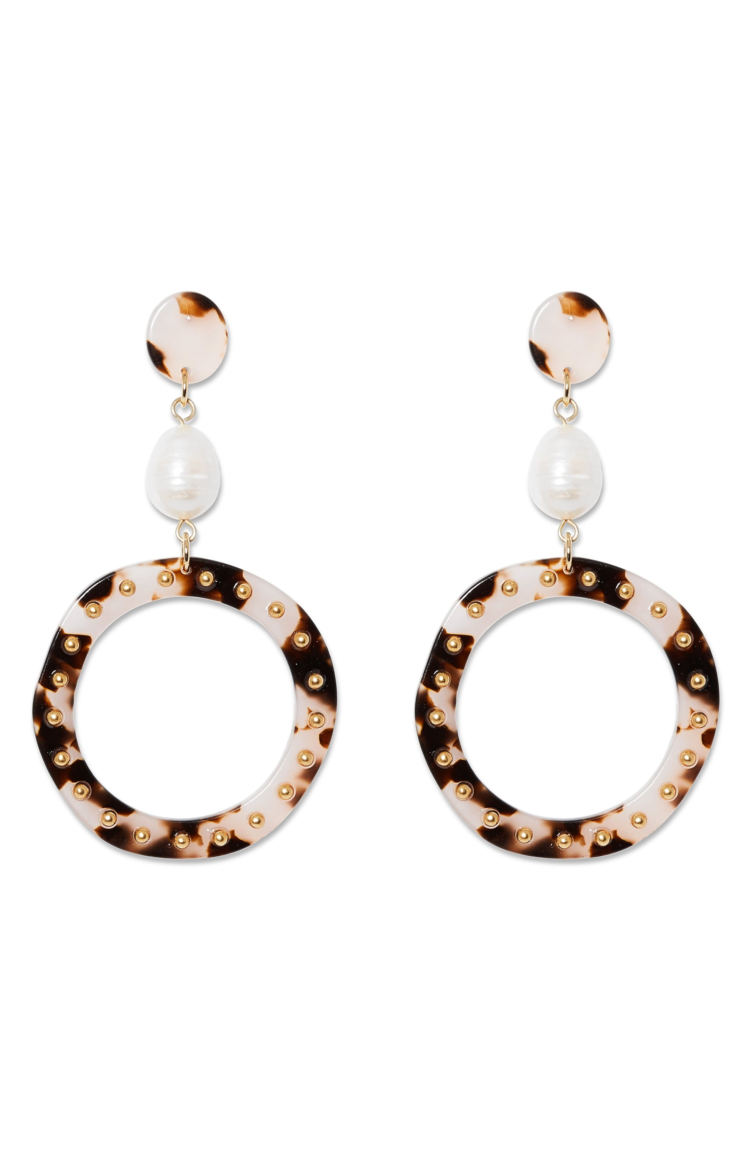 Sole Society 10mm Freshwater Pearl Gypsy Hoop Earrings, Size One Size – Gold/ Ivory/ Fwp/ Rose Dusk at Nordstrom Rack