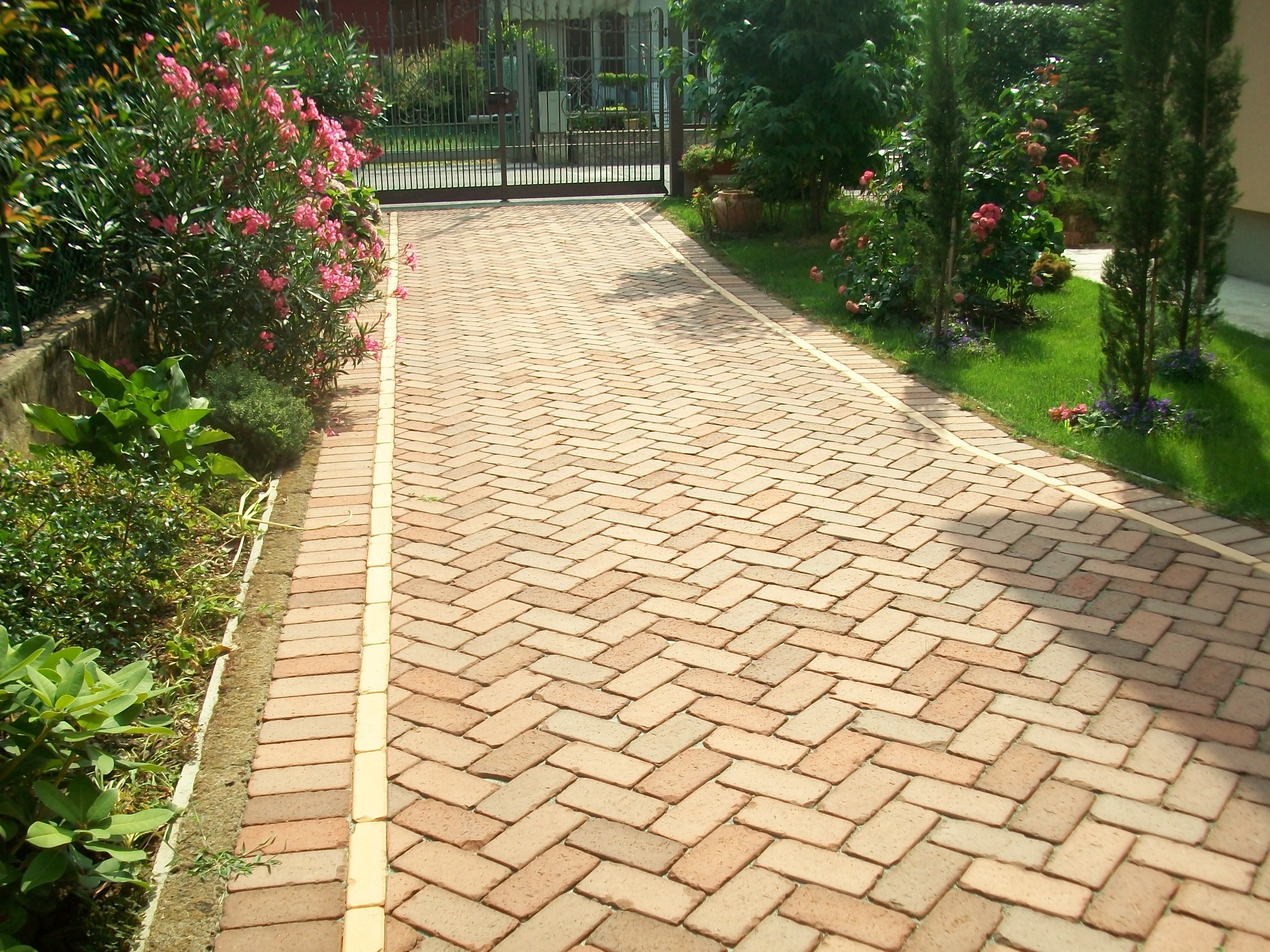 clay pavers - bioecological material -  Entrance walkway