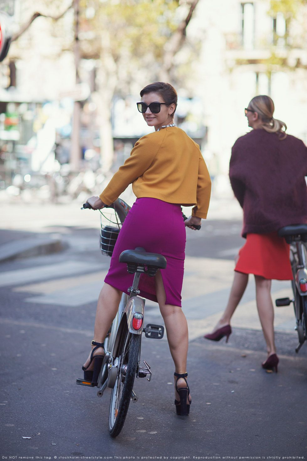 Watch 39 Fashion Girl-Approved Ways to Look Stylish WhileBiking video