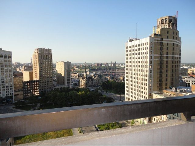 Incredible Detroit Views From City Apartments