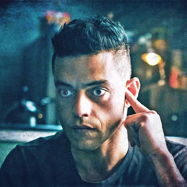 Rami Malek In Mr Robot Don T Let The Name Of The Show Fool You It Is Amazing Mr Robot Robot Mr Robot Serie