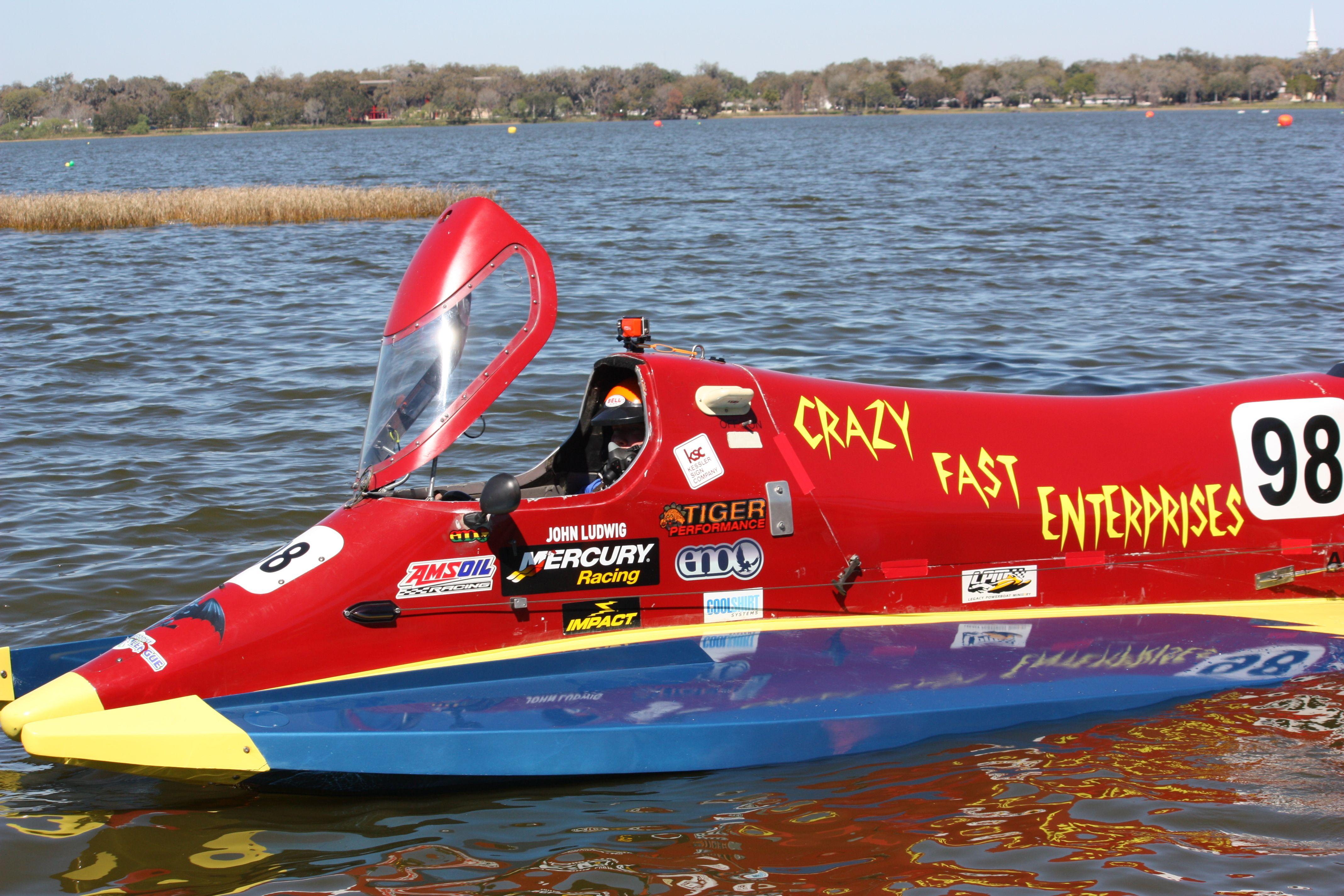 Crazy Fast Enterprises Formula 2 race boat driver John