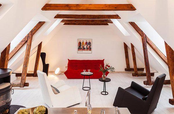 Vibrant Two-Floor Apartment in Stockholms Gamla Stan ...