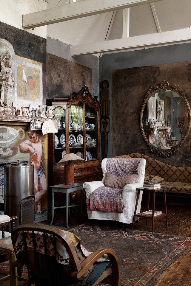 Awesome Inside Charleston | Life In Squares BBC | Bloomsbury Group  (houseandgarden.co.uk)