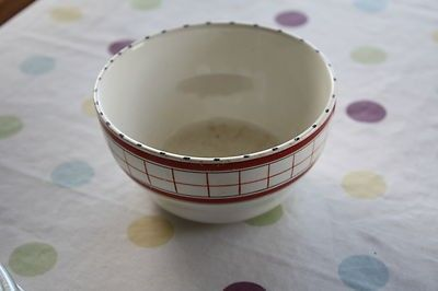 Vintage British Anchor Cottage Green / Red Sugar Bowl – Retro! – (04/29/2012) measures 4 ½ inches across