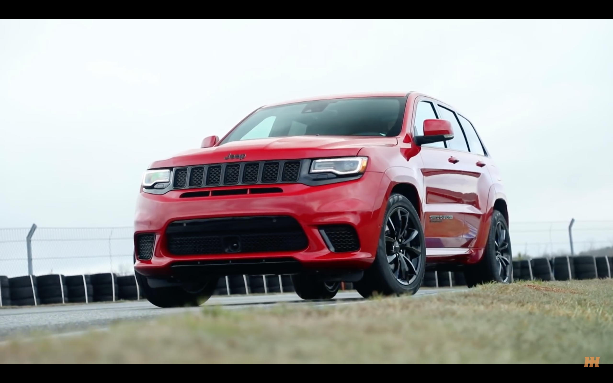 Video 7 Cars The Jeep Grand Cherokee Srt Trackhawk Can Beat To 60