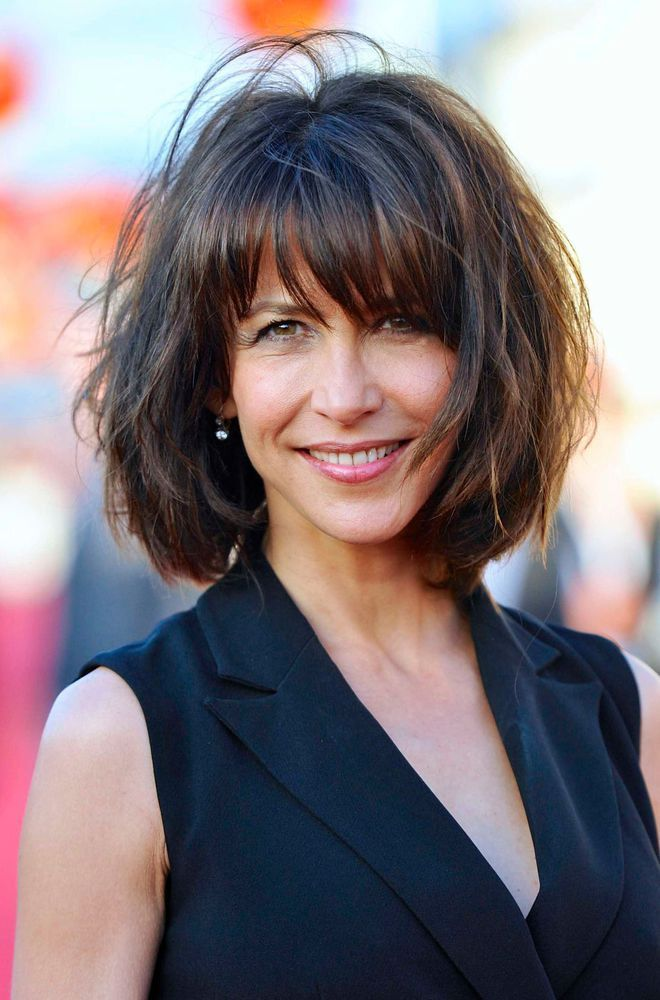 id e tendance coupe coiffure femme 2017 2018 coiffure de sophie marceau carr volumineux. Black Bedroom Furniture Sets. Home Design Ideas