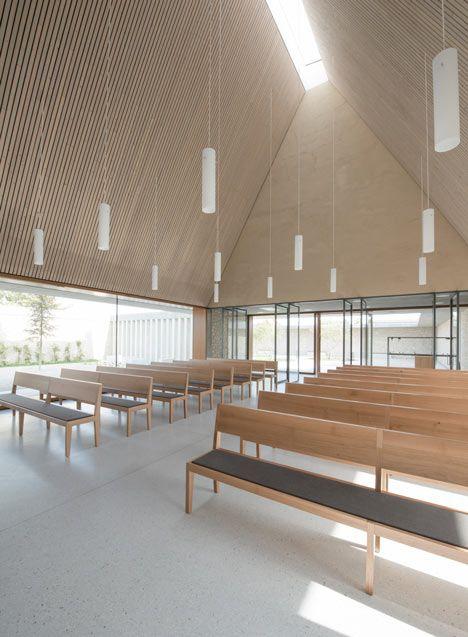 Funeral chapel in ingelheim frei weinheim by bayer - Modern funeral home interior design ...