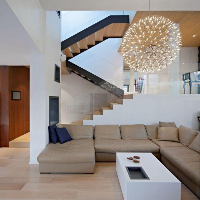 Moderne Treppe Wohnbereich Glas Geländer Holz Treppenstufen