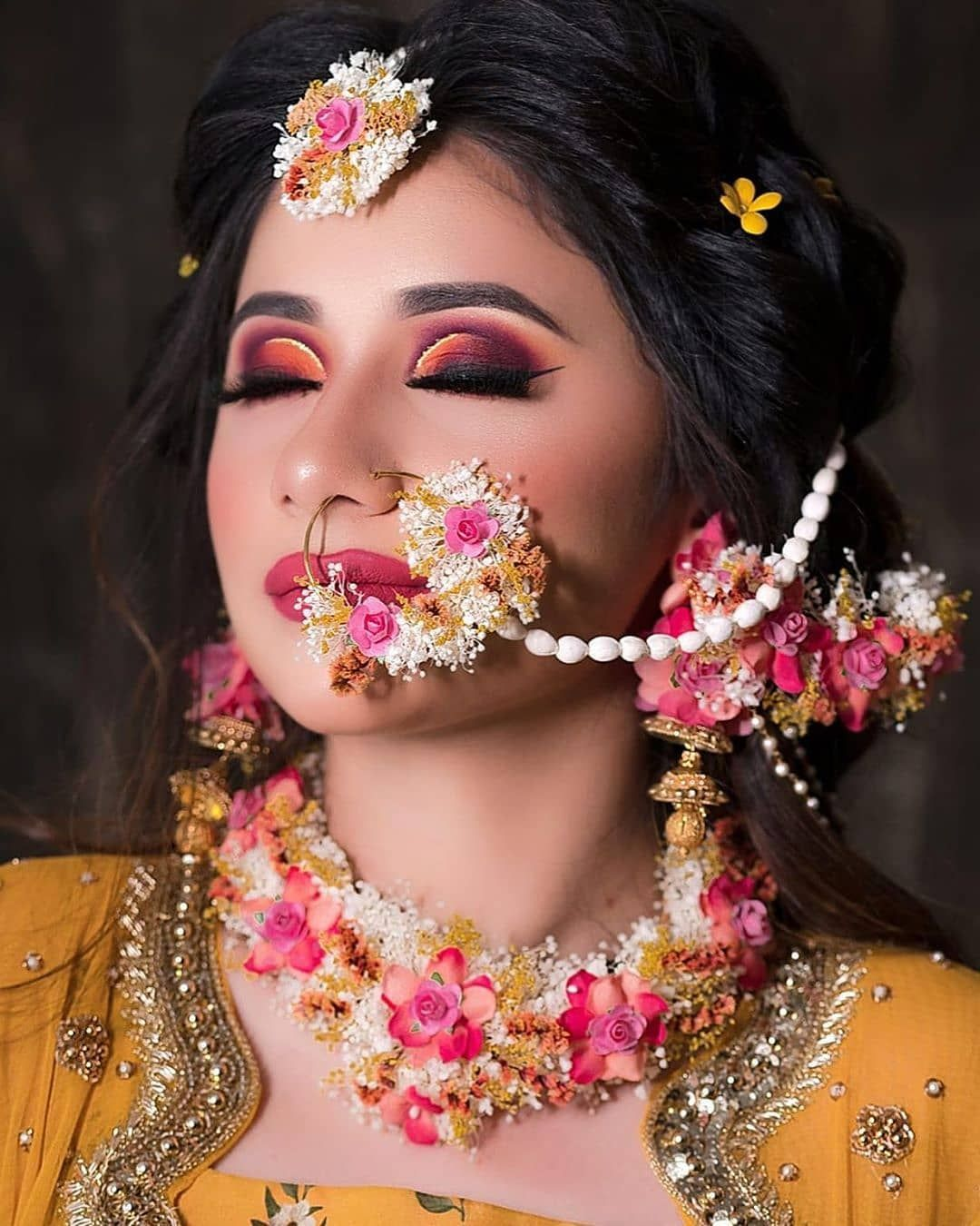 Where To Shop Floral Jewellery In Delhi? Flower