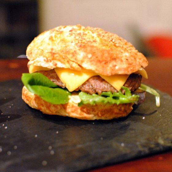 Hamburgers maison buns et frites burger et panini hamburger maison recettes hamburgers et - La maison du panini ...