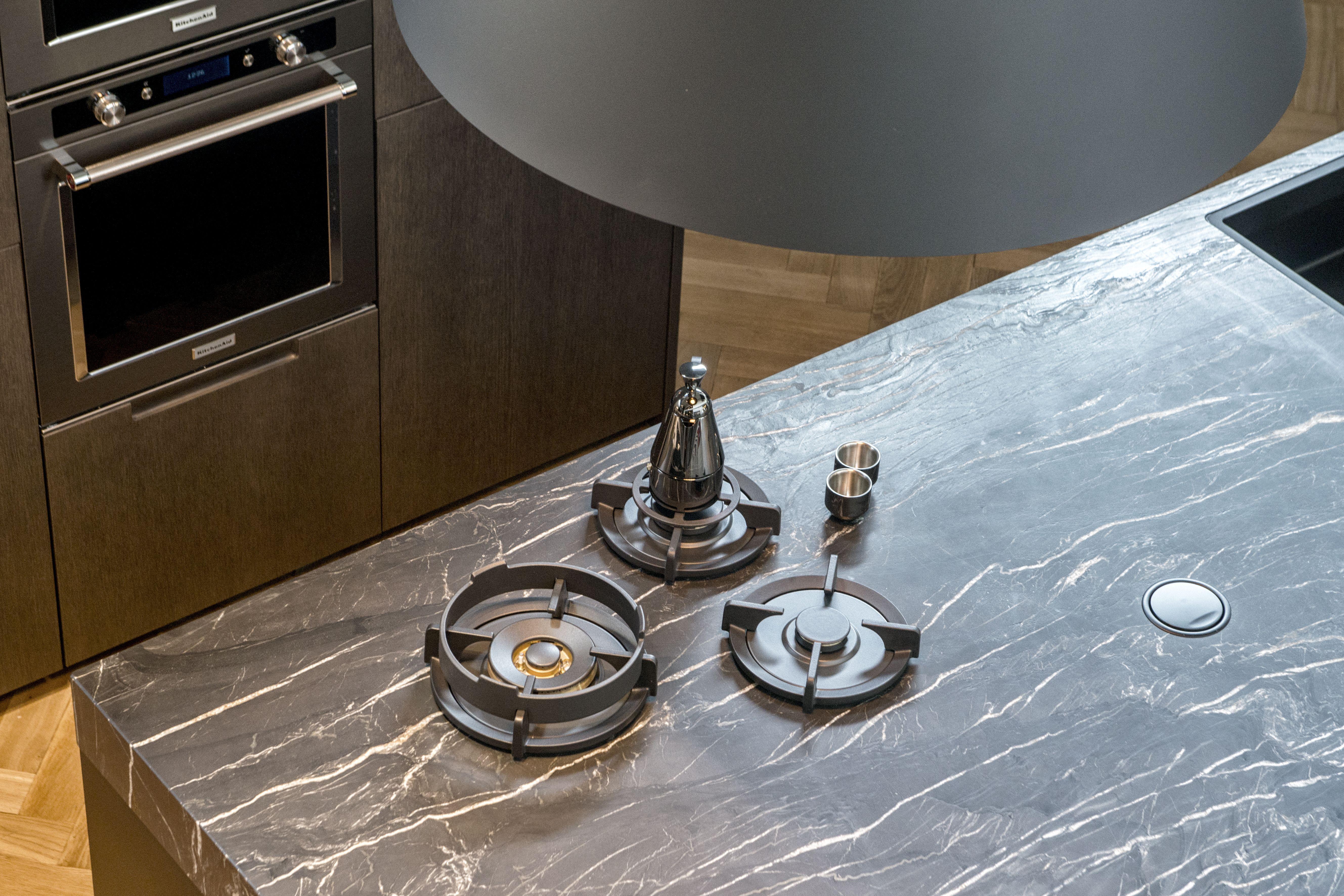 Cesar kookeiland met graniet werkblad, Pitt Cooking kookplaat met ...