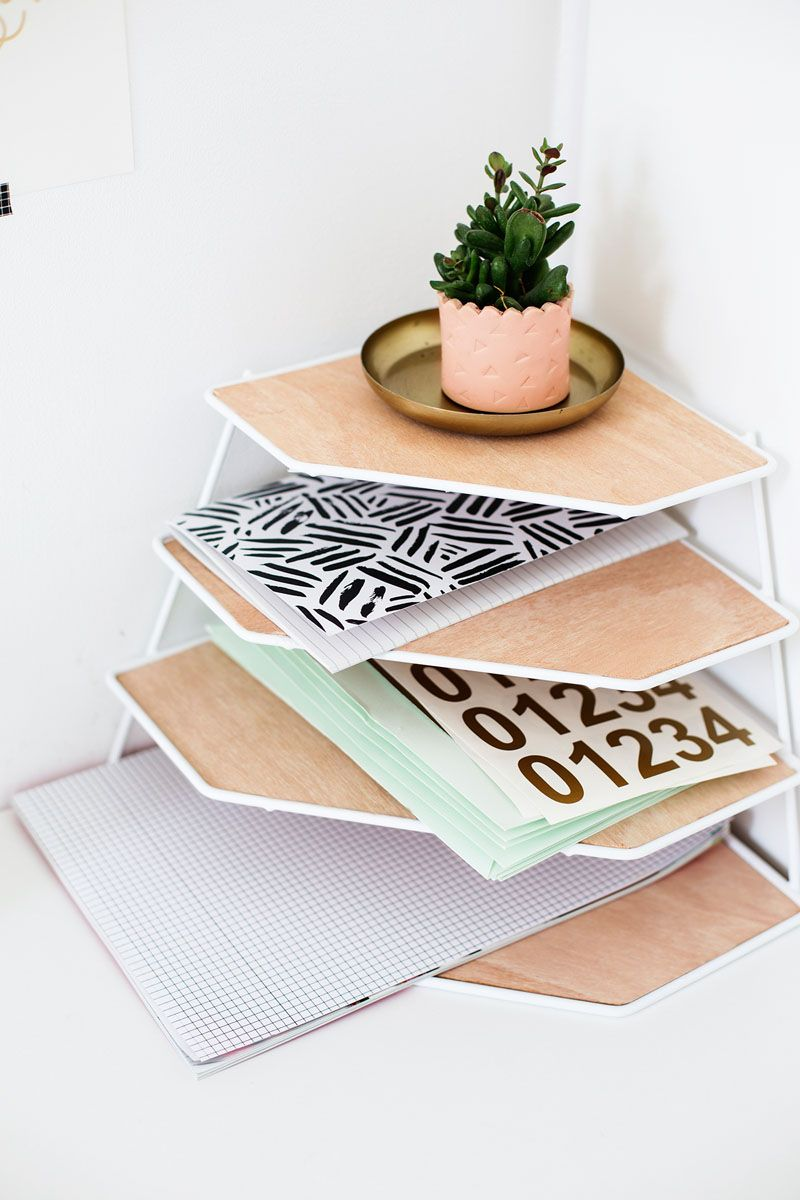 Desk Organization Ideas 6 Easy Ways You Can Organize Your Desk To Make It More Inviting Desk Organization Diy Work Space Decor Cubicle Decor