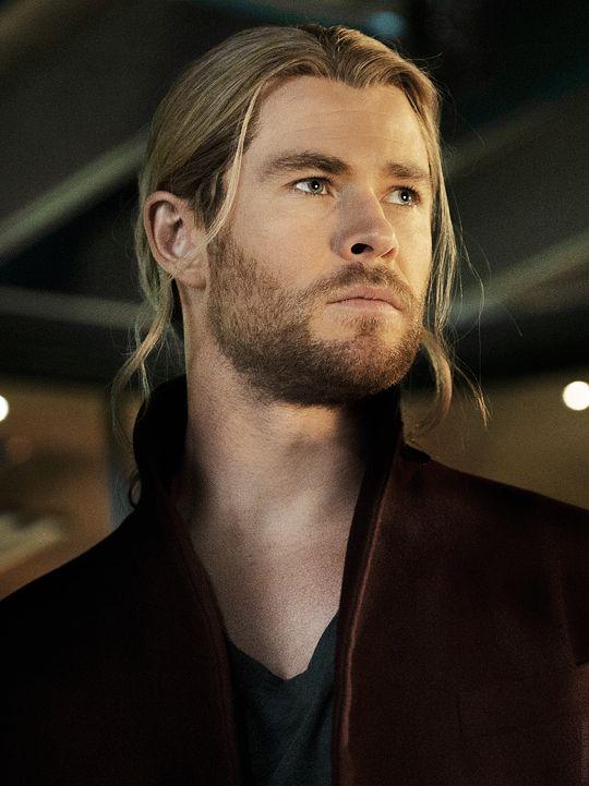 Chris Hemsworth. Via Twitter. | Avengers | Chris hemsworth ...