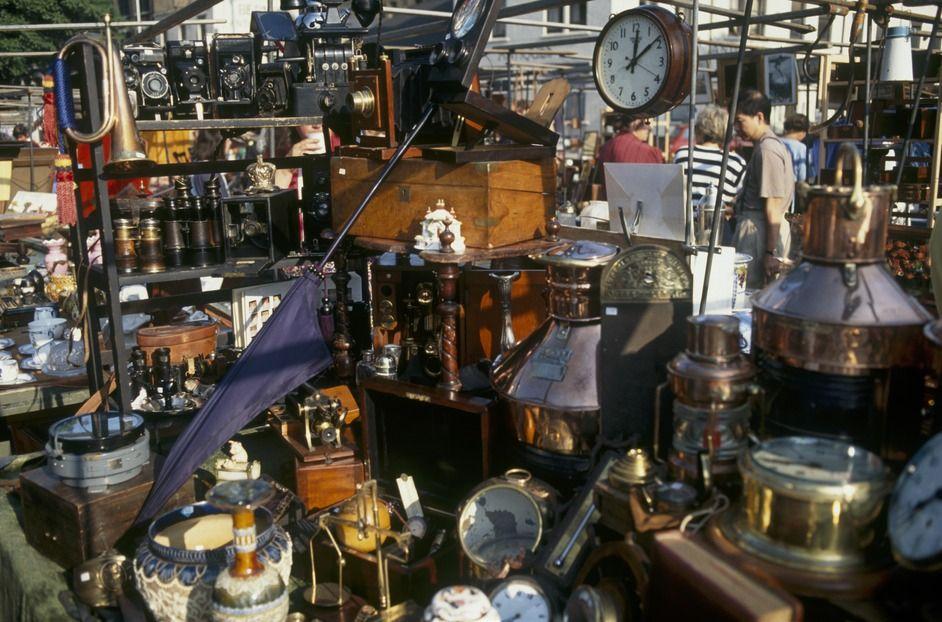 Bermondsey Antique Market  London   arrived at 4 AM to get best deals. Bermondsey Antique Market  London   arrived at 4 AM to get best