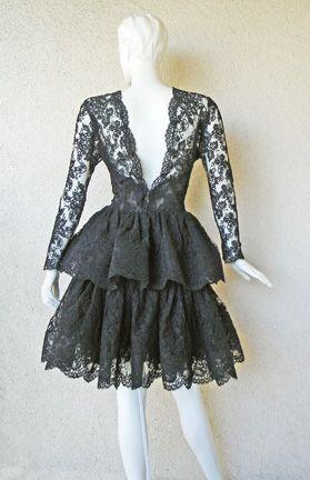 Back of vintage Oscar dress