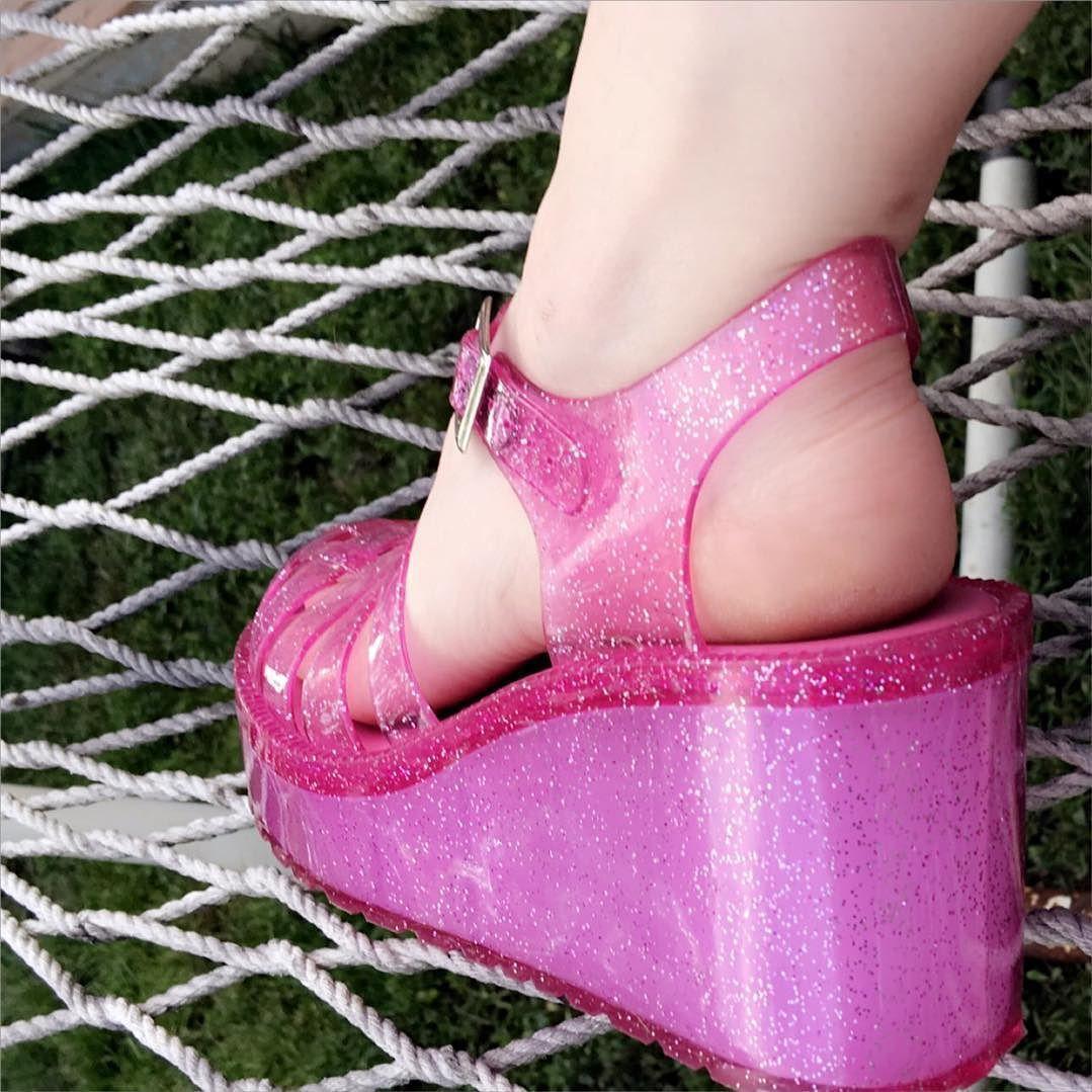 #jelly #shoes #glitter #platforms #shoes #sandals #90's #spicegirls #jellies #throwback #shoes #rainbows #hellokitty #pink #pinkhair #summer #memorial #day #hammock #hammocklife #fashion #fashionista #iphonesia #iphone6 by @designerfindwarehouse