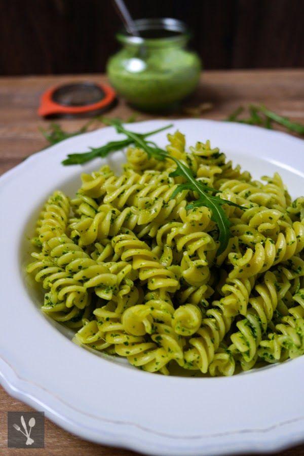 Pasta mit Rucola-Ziegenkäse-Pesto