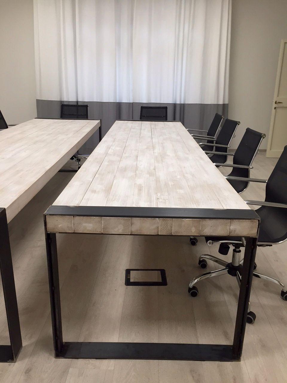Tavolo riunioni gambi realizzati con cintura in ferro for Tavoli in legno e acciaio