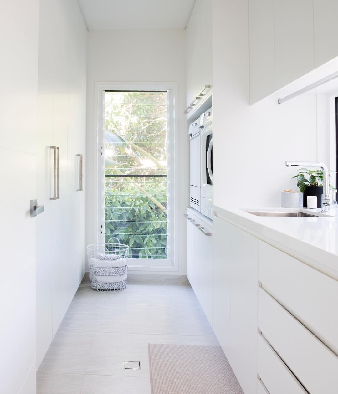 Laundry Cupboard Designs: Pin By Melinda Pierce On HumbleHome In 2019