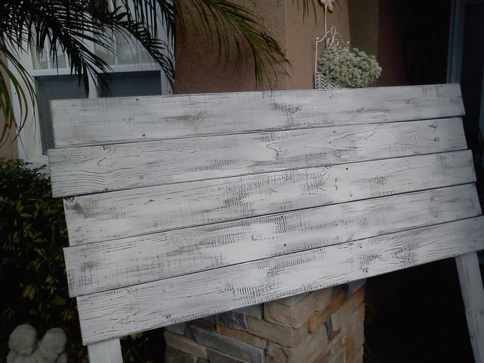 #Pallet #Headboard but painted chevron pattern, grey and ...