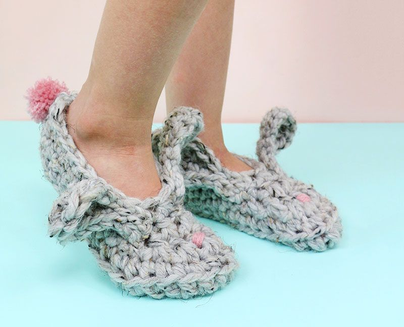 Crochet Bunny Slippers - Free Pattern and Video Tutorial   Tejido y ...