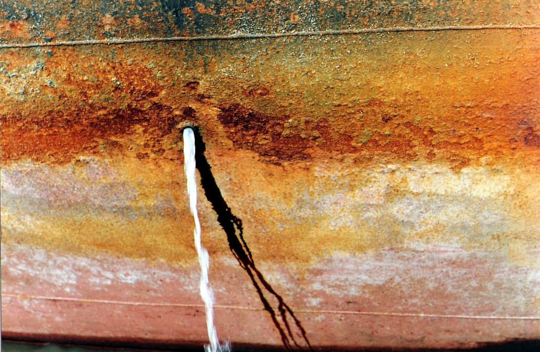 Fotografia - close up de navio aportado.