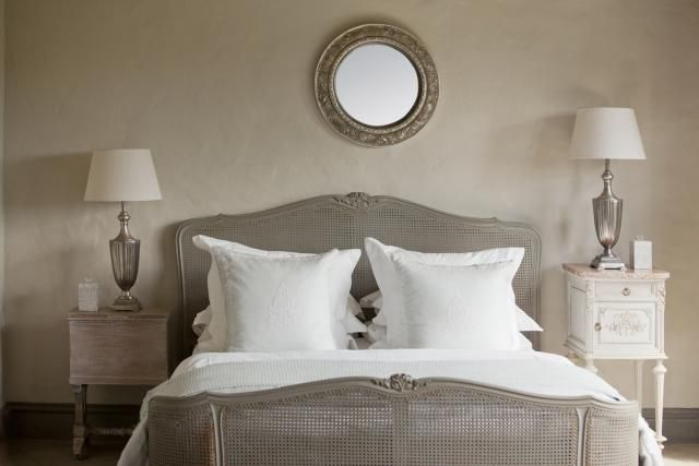 Easy Ways To Make Buyers Love Your Small Bedroom: Decluttering Tips To  Enlarge Your Small