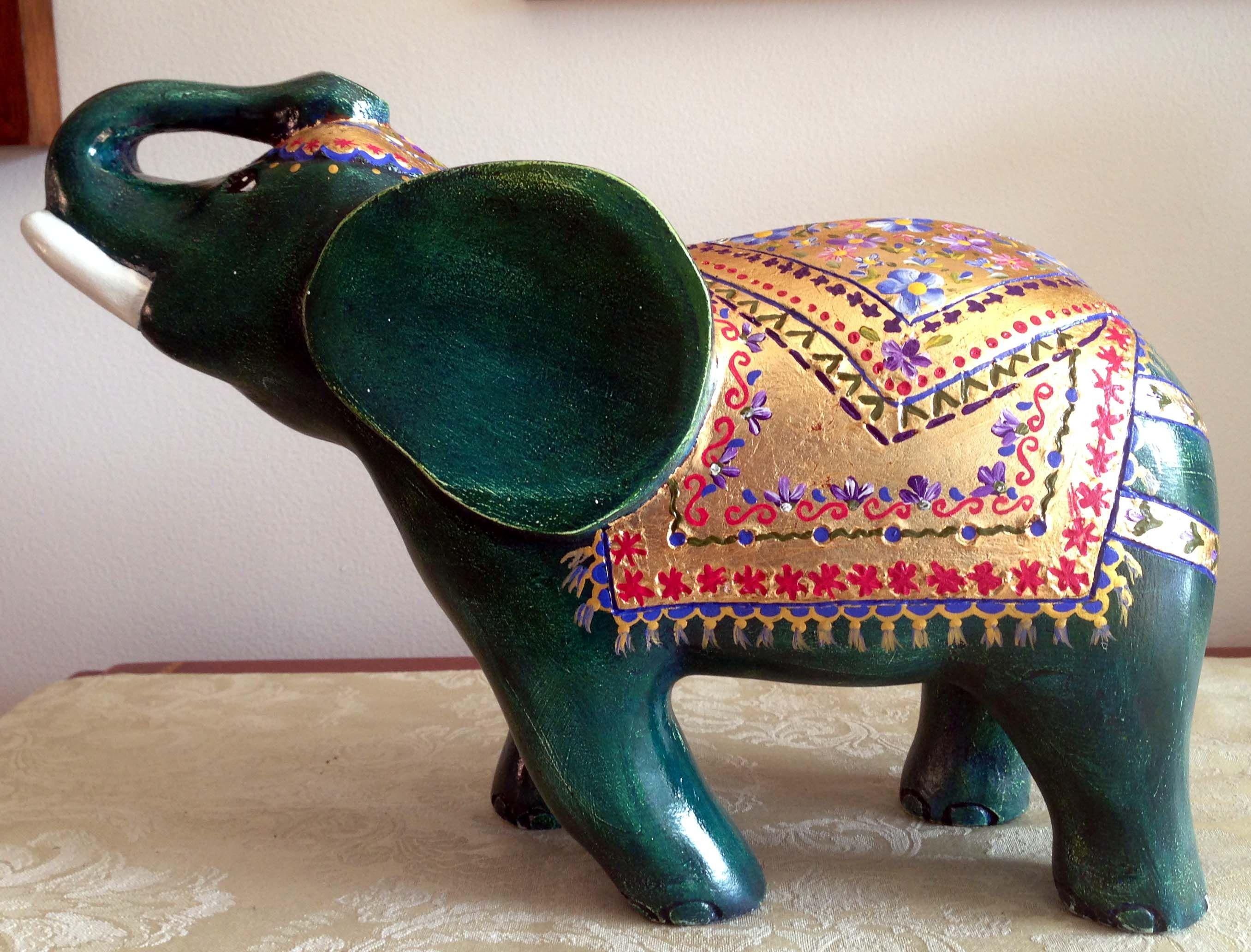 Elefante pintado en madera mis trabajos my work for Muebles elefante