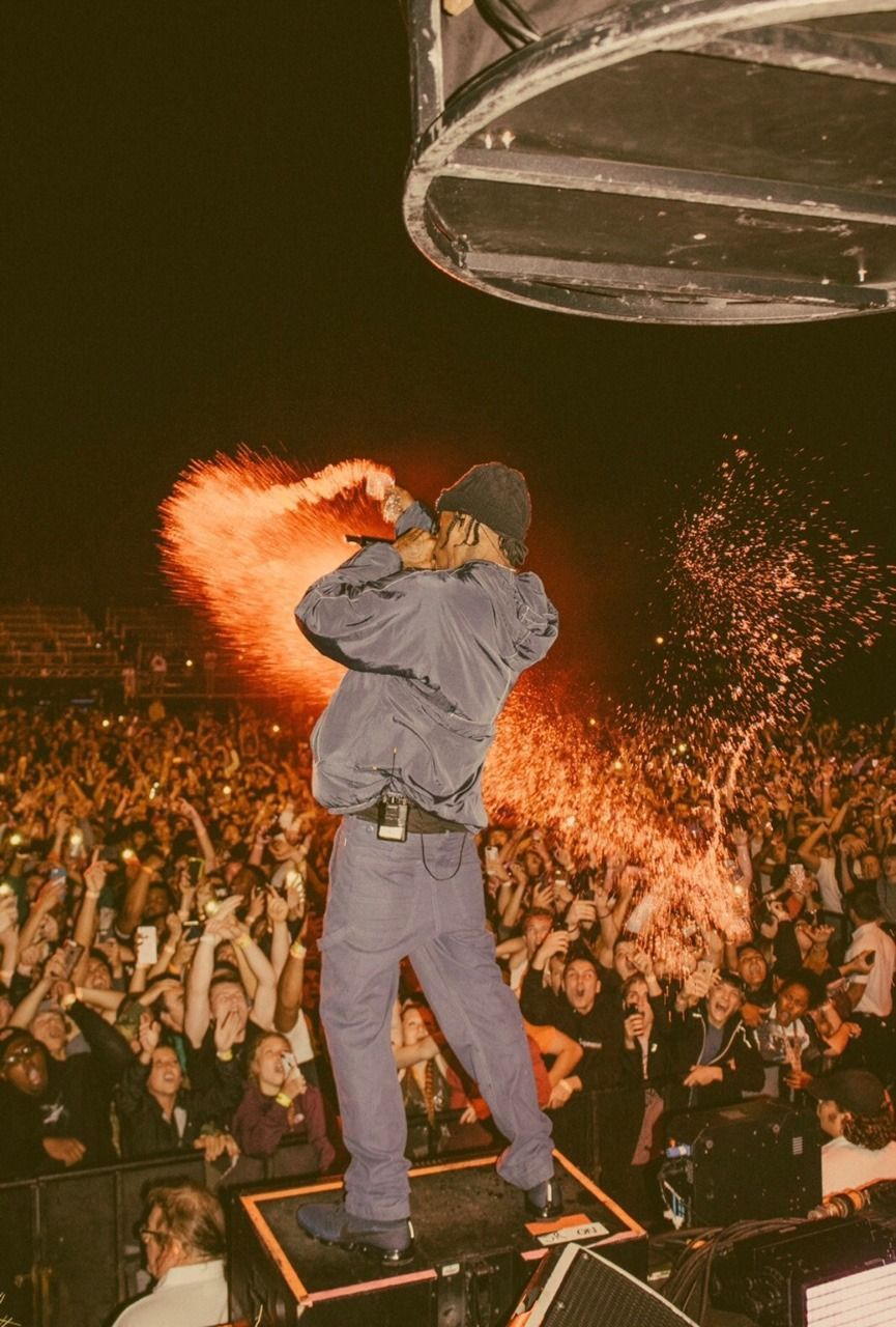 Travis Scott Iphone Wallpaper In 2020 Travis Scott Wallpapers Travis Scott Concert Travis Scott Birds