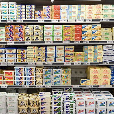 vs. Margarine: How to Choose We've got the bottom line on butter and its alternatives. Here are some of the best and worst products for your heart. | We've got the bottom line on butter and its alternatives. Here are some of the best and worst products for your heart. |