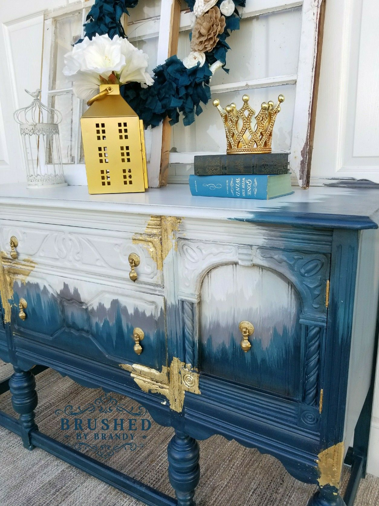 Schrank Vintage Design Jacobean Style Buffet Refinished With Dixie Belle Paint In Cotton
