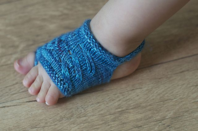 Photo of Showsy Toes Baby Sandal Socks pattern by Stephanie Lotven