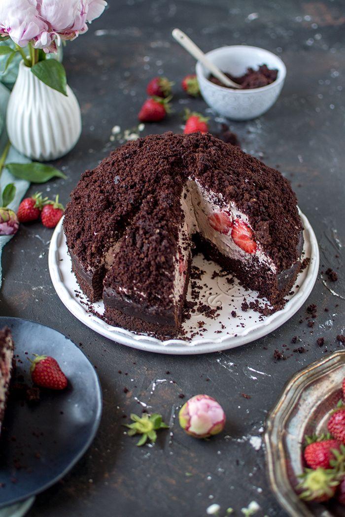 Maulwurfkuchen mit Erdbeeren und Schokocreme #veganermaulwurfkuchen