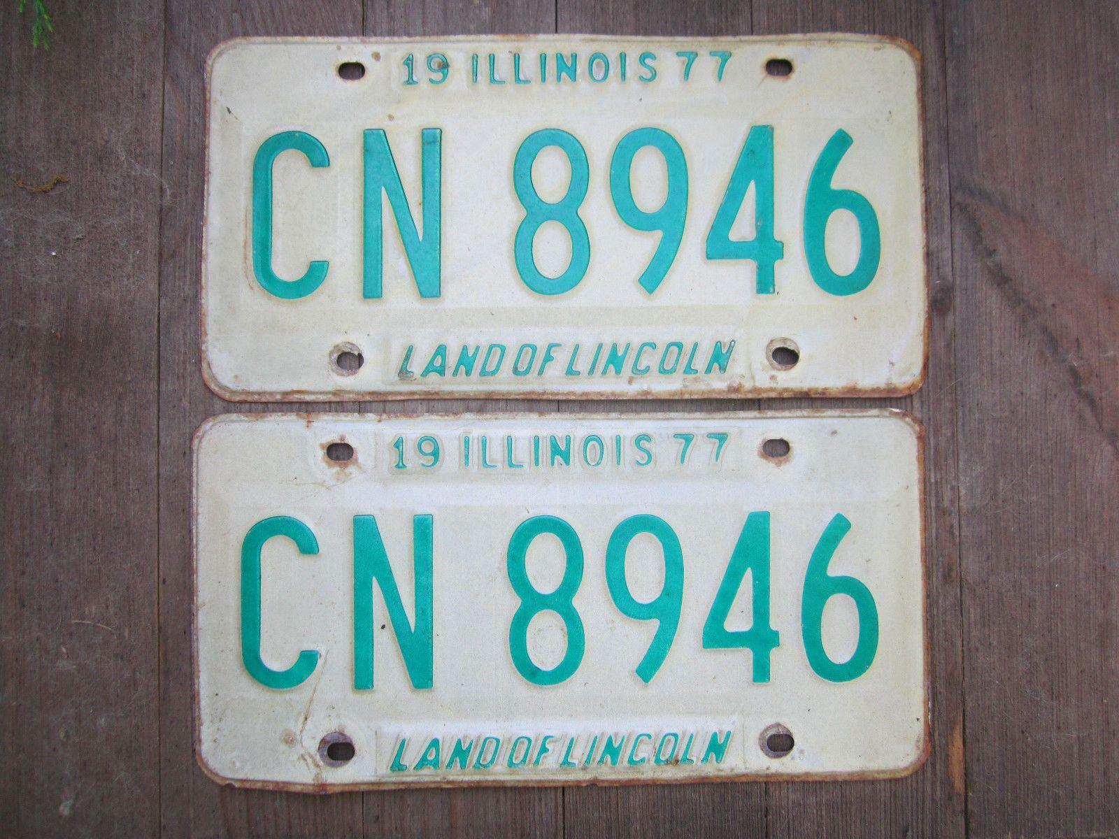 Pair of 1977 Illinois License Plates Free US Shipping