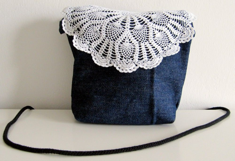 Tiny purse made from old jeans (07/2012)