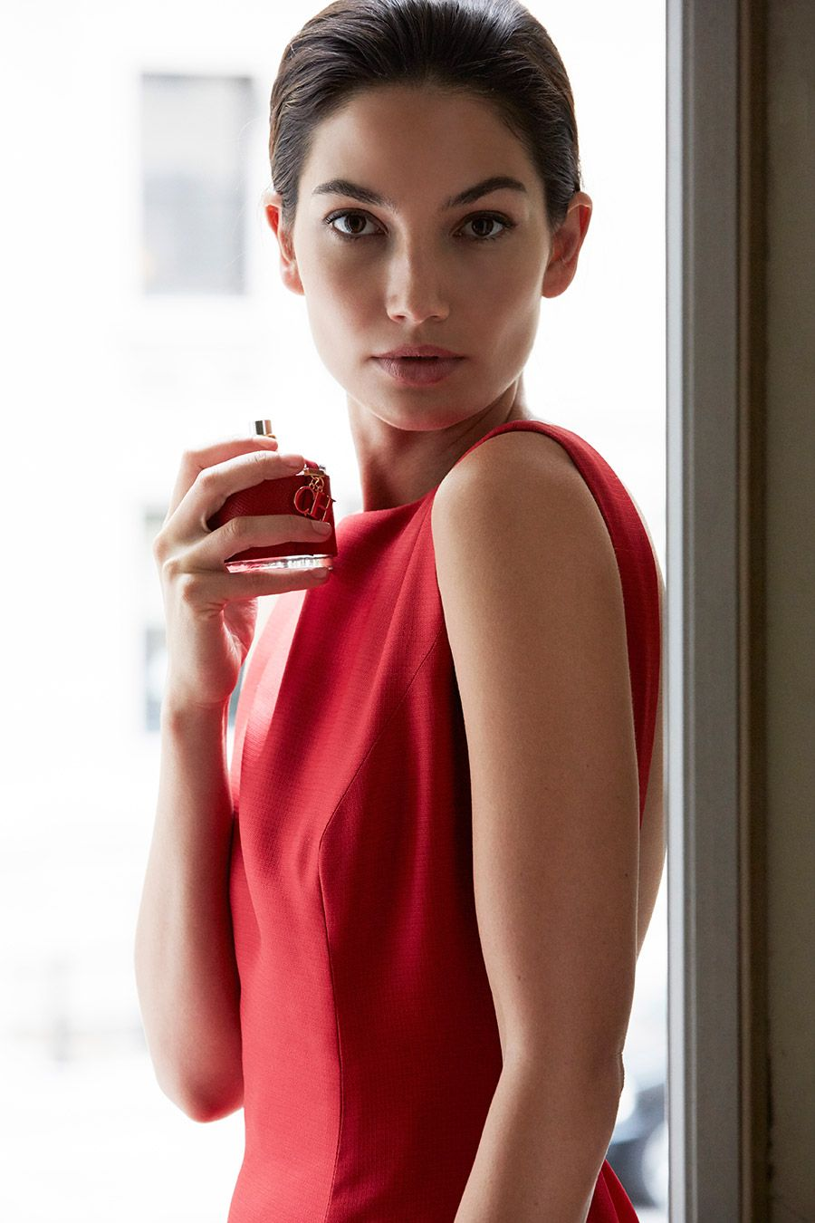 Musica la chica del vestido rojo