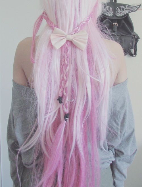 I love this color and style :)