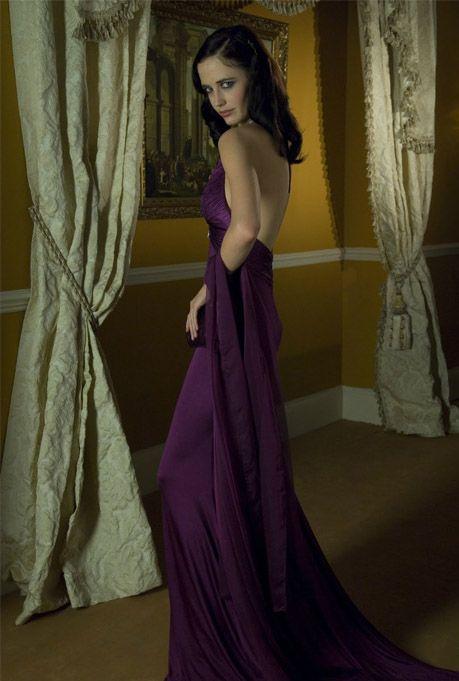 Казино рояль платье красное как убрать при открытии оперы казино