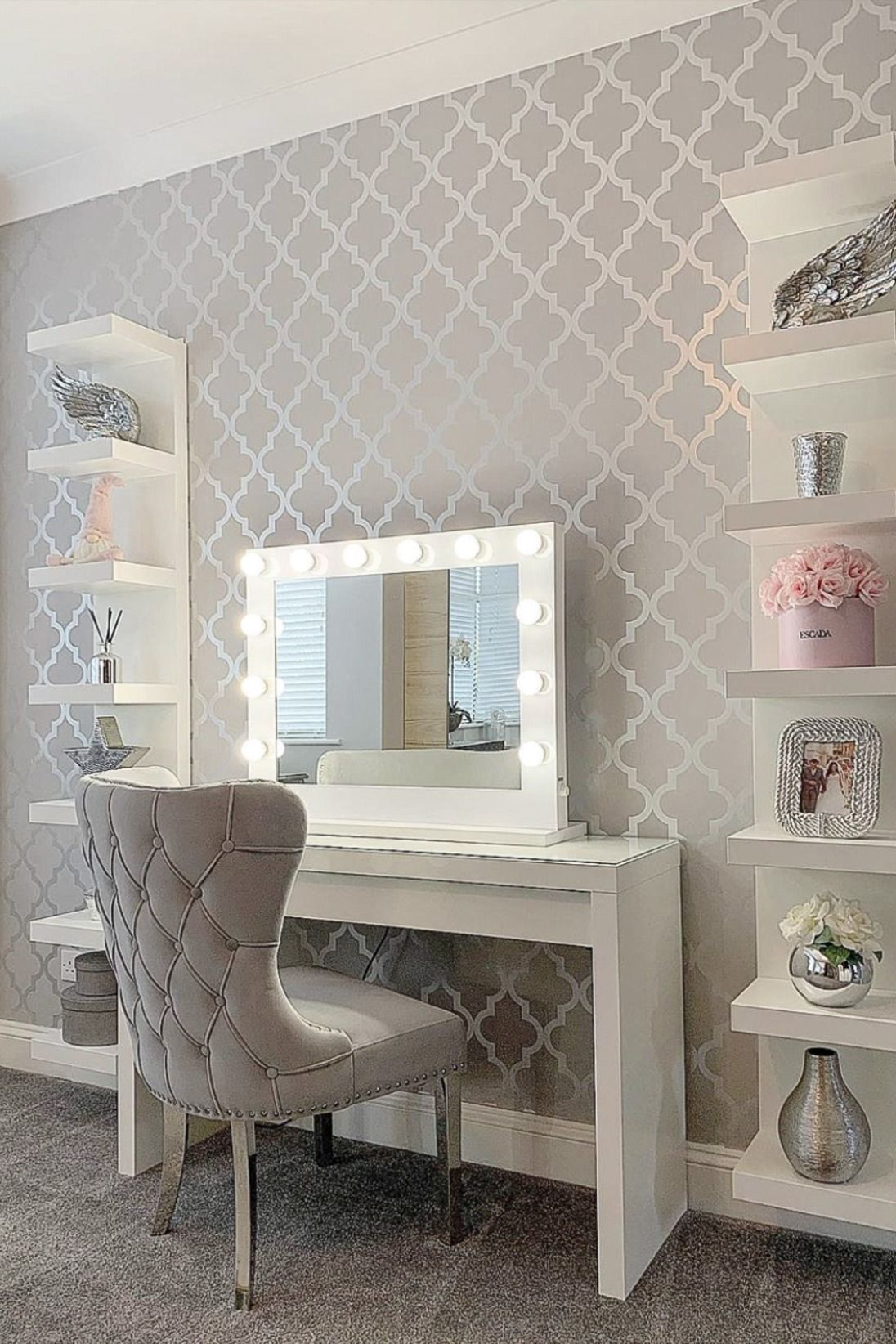 Henderson Interiors Camden Trellis Wallpaper Soft Grey Silver In 2020 Luxurious Bedrooms Grey Bedroom Decor Girls Bedroom Wallpaper