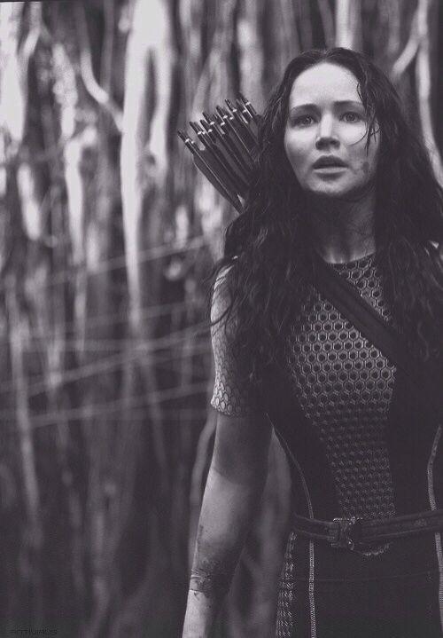 Jennifer Lawrence as Katniss Everdeen   Hunger games ...