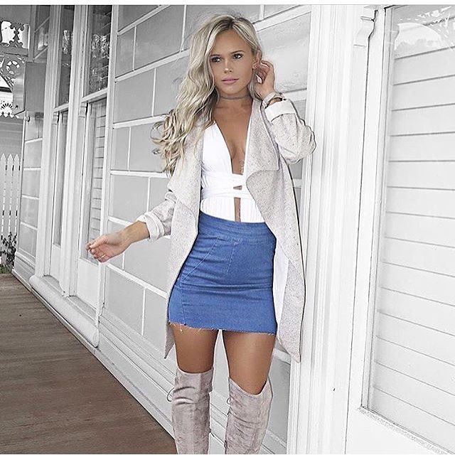Beautiful spring outfit of the #gorgeous @hildeee via @cestmoi_com #fashion #style #stylish #outfit #photooftheday #beautiful #beauty #girl #picoftheday #amazing #bestoftheday #sun #nice #ootd #styleoftheday #amazing #summer #spring #love #boots #pumps #graytop #slouchy by streetstyle.cm