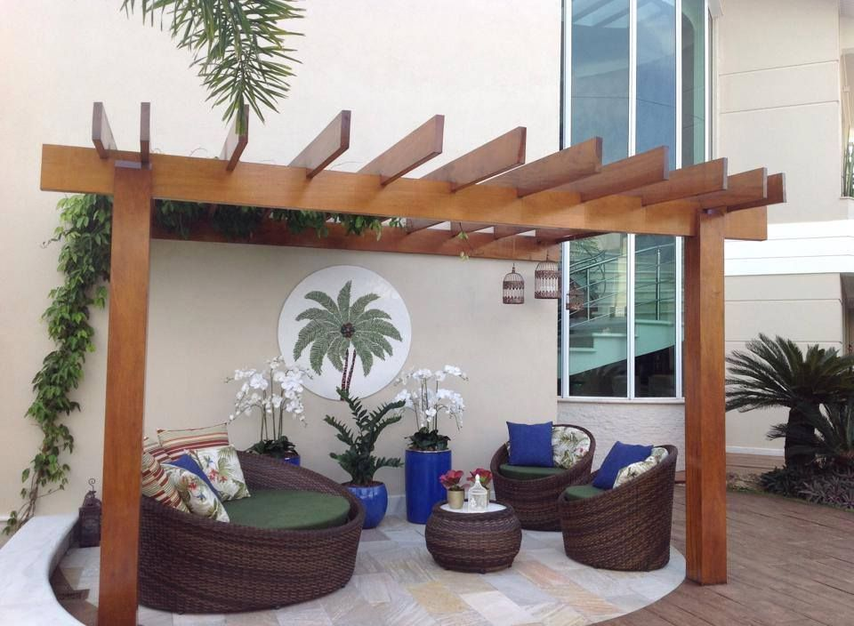 12 varandas modernas com piscinas e pergolados varandas for Modelos de piscinas modernas
