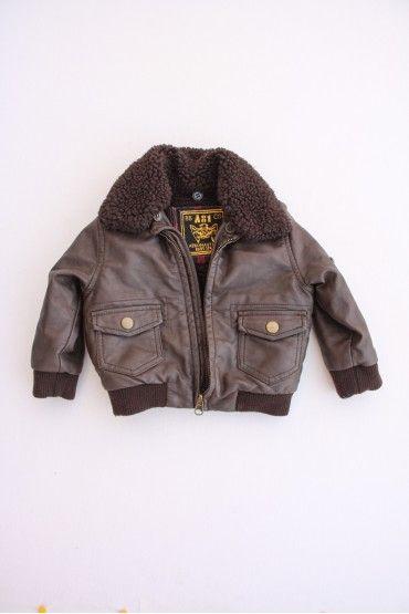 Cazadora de aviador de niño de la marca Zara. Talla 6 meses Precio 7.50€  cazadoras  bebe  ropaniños  moda infantil 18757b73371