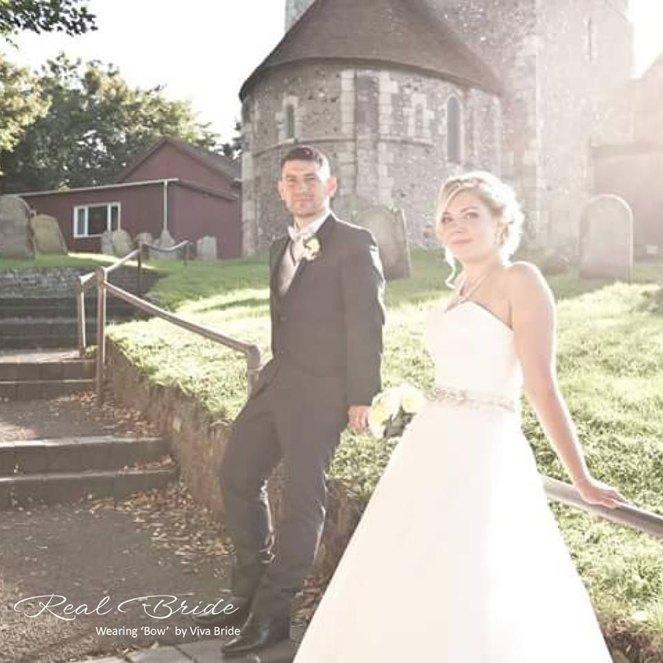 Real Brides Wed2b: Beautiful Bride Gemma Looks Stunning In 'Bow' By Viva