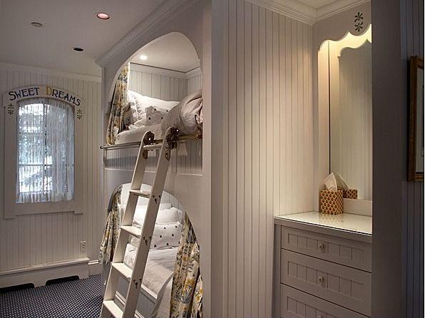 Adorable Built In Bunk Beds For Cozy Nook Dreams. #kids #kidsroom #