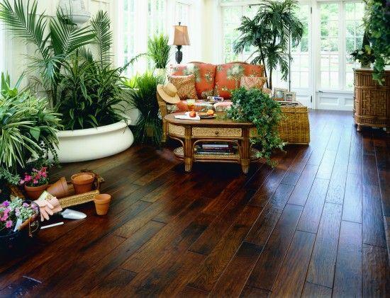 At home with Biltmore Estates Hickory Hardwood Flooring - wohnzimmer gelb streichen