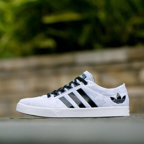 Adidas Neo 2 shoes for MEN http://bit